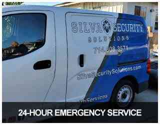 image of Silva's locksmith truck on an emergency call